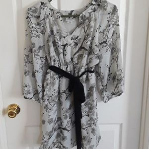 Floral maternity sheer blouse